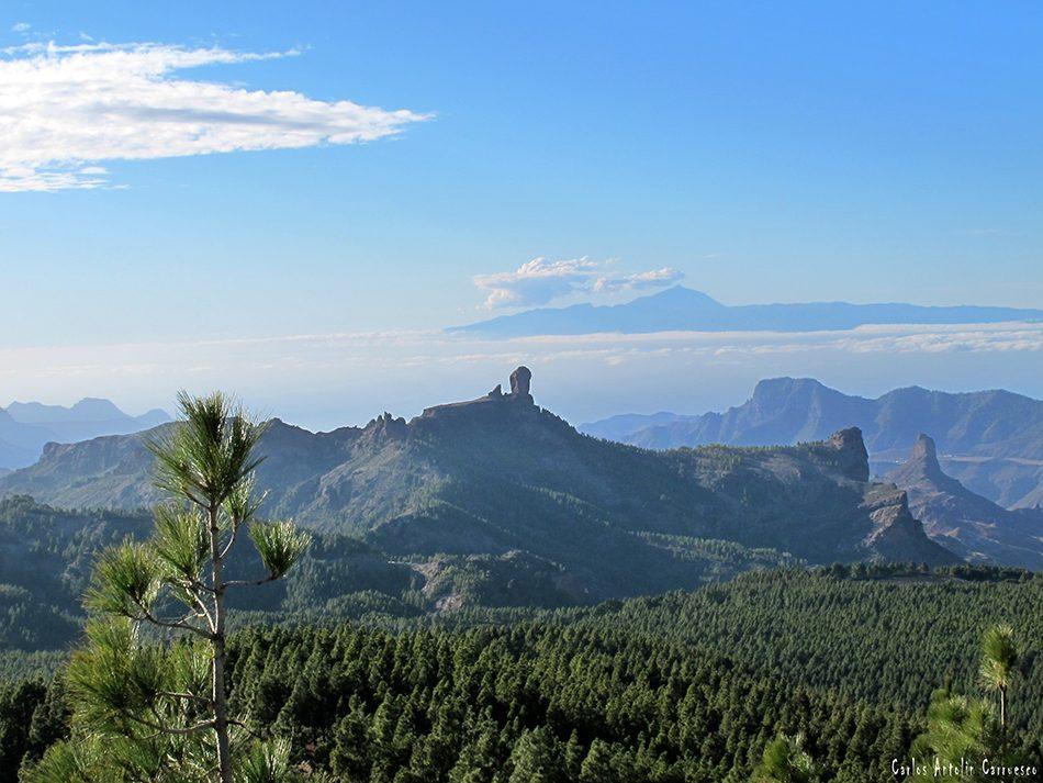 Mirador Pozo de Las Nieves - Gran Canaria - isla de Tenerife en el horizonte