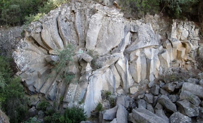 Piedra la rosa tenerife wildcanarias senderismo rutas for Las rocas tenerife