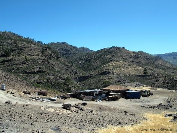 Soria - Cueva de Las Niñas - Gran Canaria<br/>sendero dirección a Casa de La Data