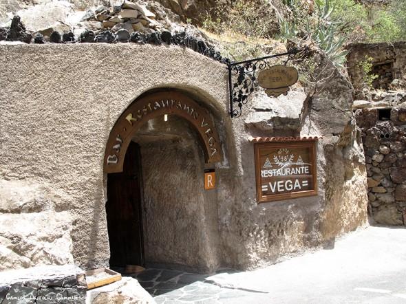 Montaña de las Tierras - Barranco de Guayadeque - Gran Canaria - bar restaurante VEGA