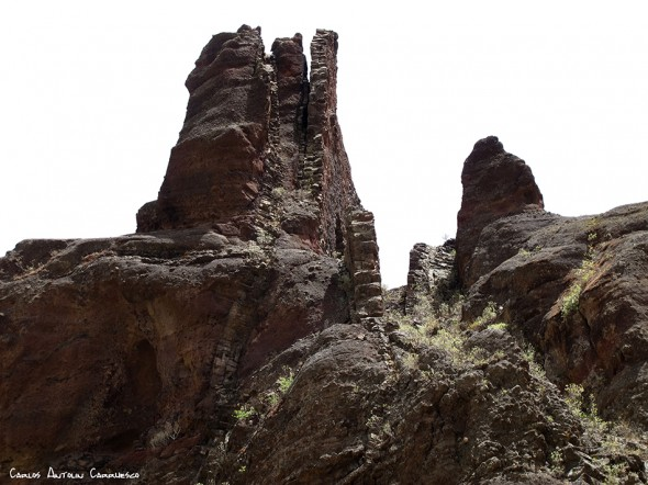 dirección a Cueva Bemeja por asfalto - Barranco de Guayadeque - Gran Canaria