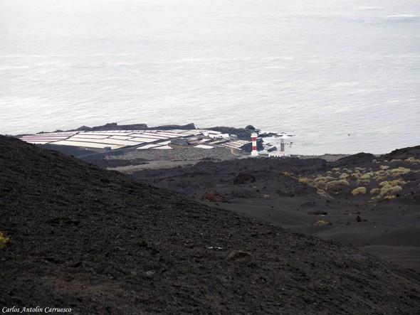Transvulcania - GR131 - paisaje lunar - La Palma - salinas y faro de fuencaliente