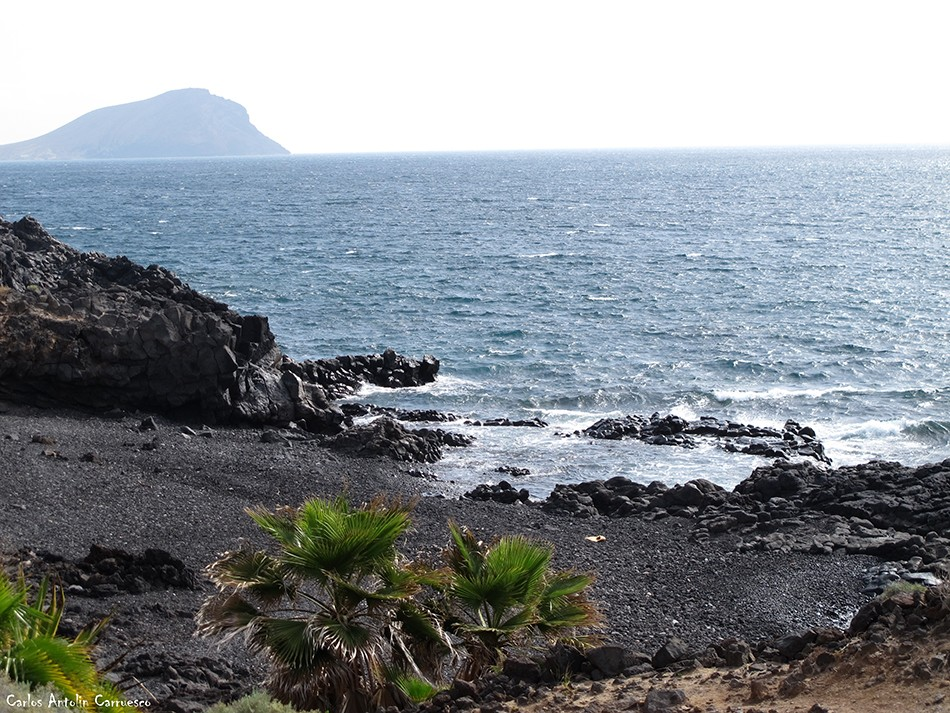 Los Abrigos - Tenerife - montaña roja