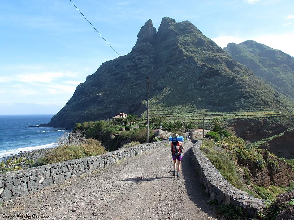 Punta del Hidalgo - Anaga - Tenerife - roque dos hermanos