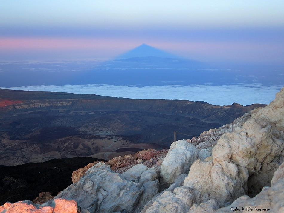 Pico y cráter del Teide - Tenerife - Proyección y sombra del Teide