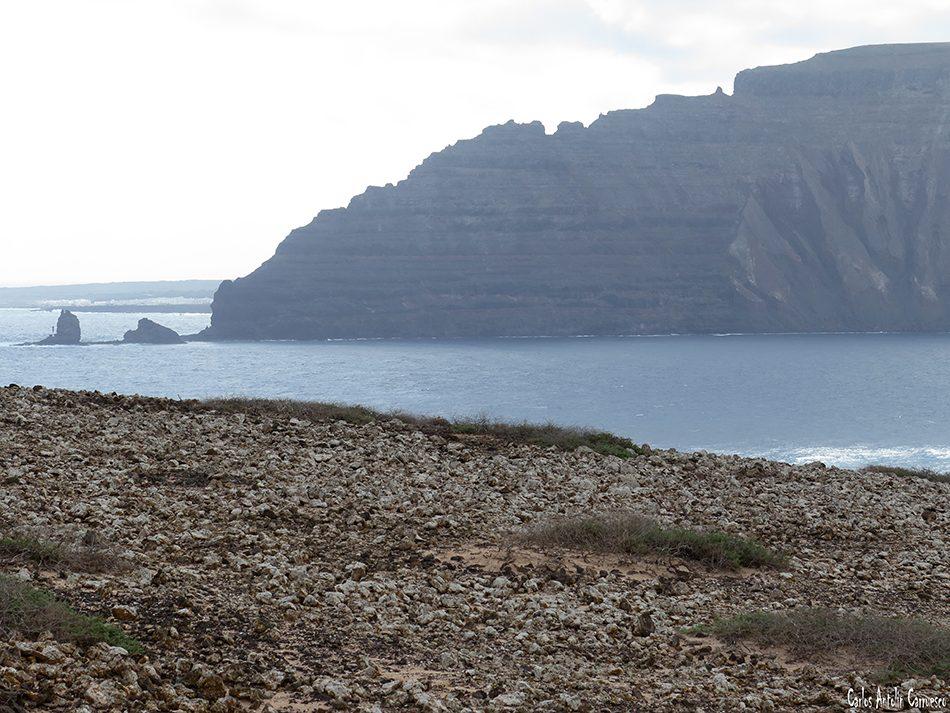 Isla de La Graciosa - Acantilados de Famara - Lanzarote - punta fariones