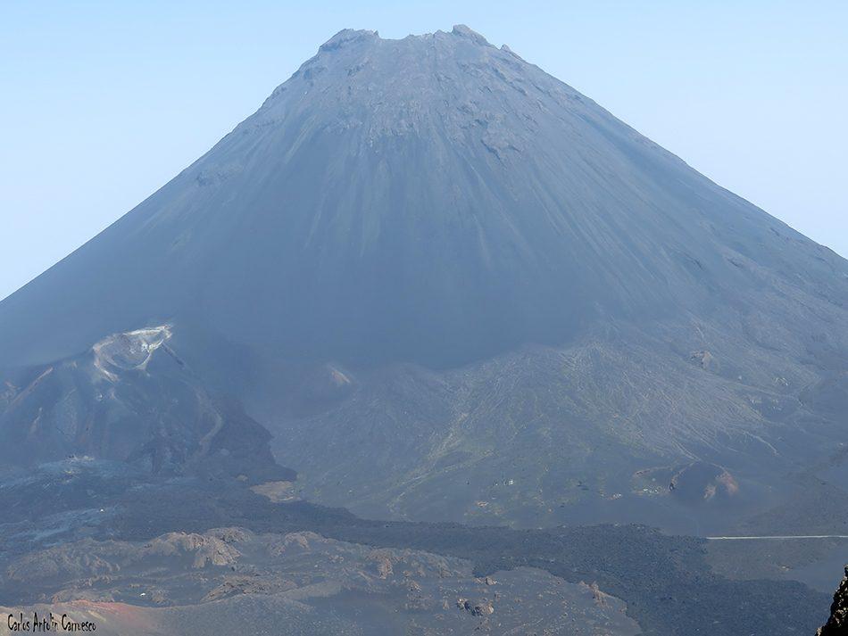 Chã das Caldeiras - Fogo - Cabo Verde - ìco de fogo - pico pequeno
