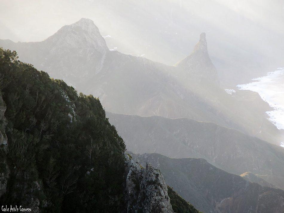 Cabezo del Tejo - Anaga - Tenerife - roques de Las Ánimas y de Enmedio