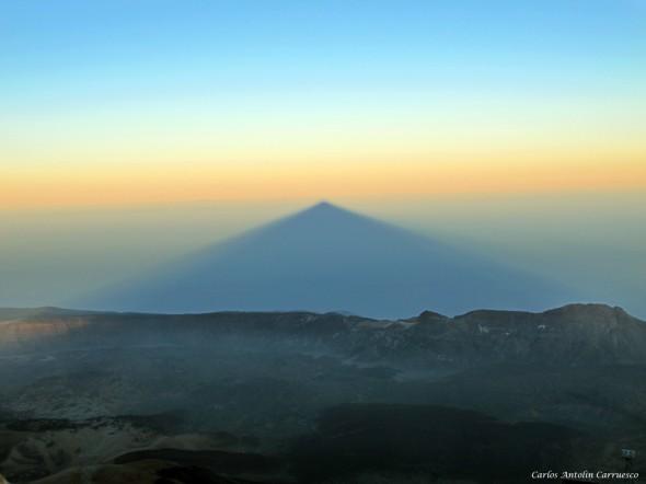 proyección del Teide al atardecer - sombra del Teide - 3.718 metros