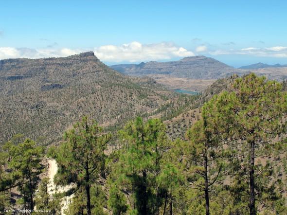 Parque Natural de Pilancones - Gran Canaria - embalse de Chira en el horizonte