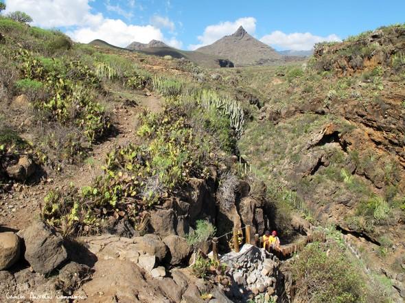 Vento - Roque del Conde - Tenerife<br/>Roque Imoque en el horizonte