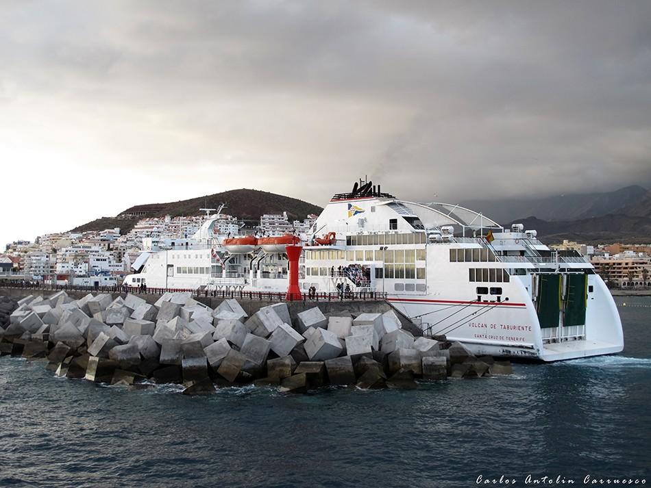 Puerto de Los Cristianos - Tenerife Sur - Naviera Fred Olsen