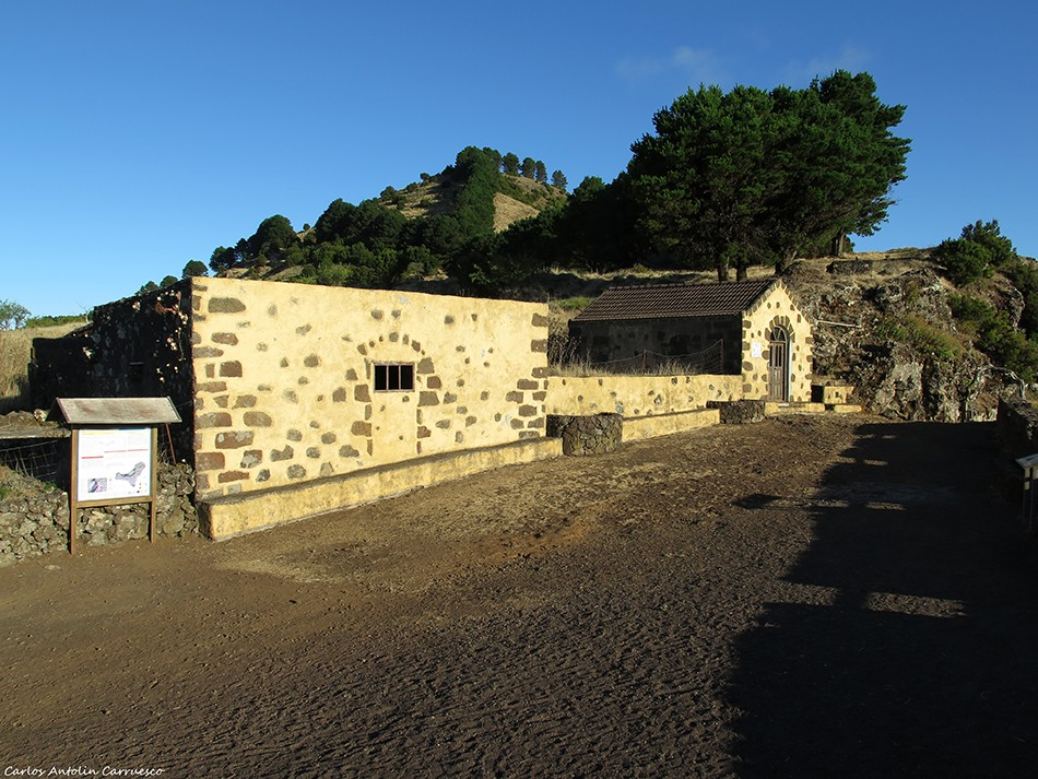 Mirador de Jinama - El Hierro - Ermita Virgen de La Caridad