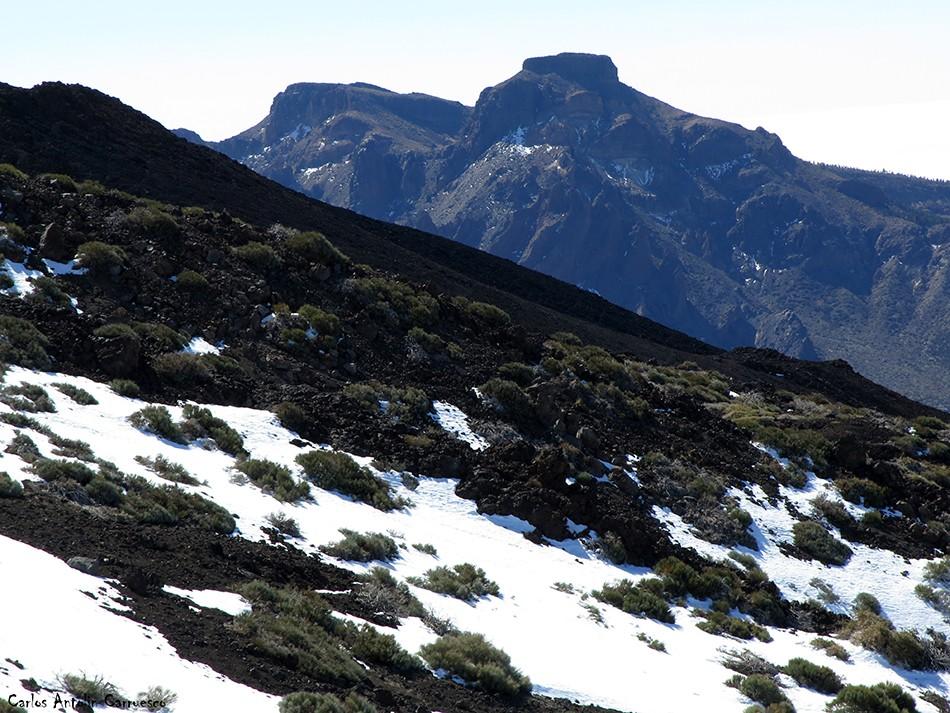 El Sombrero - Cumbres de Ucanca en el horizonte - Teide