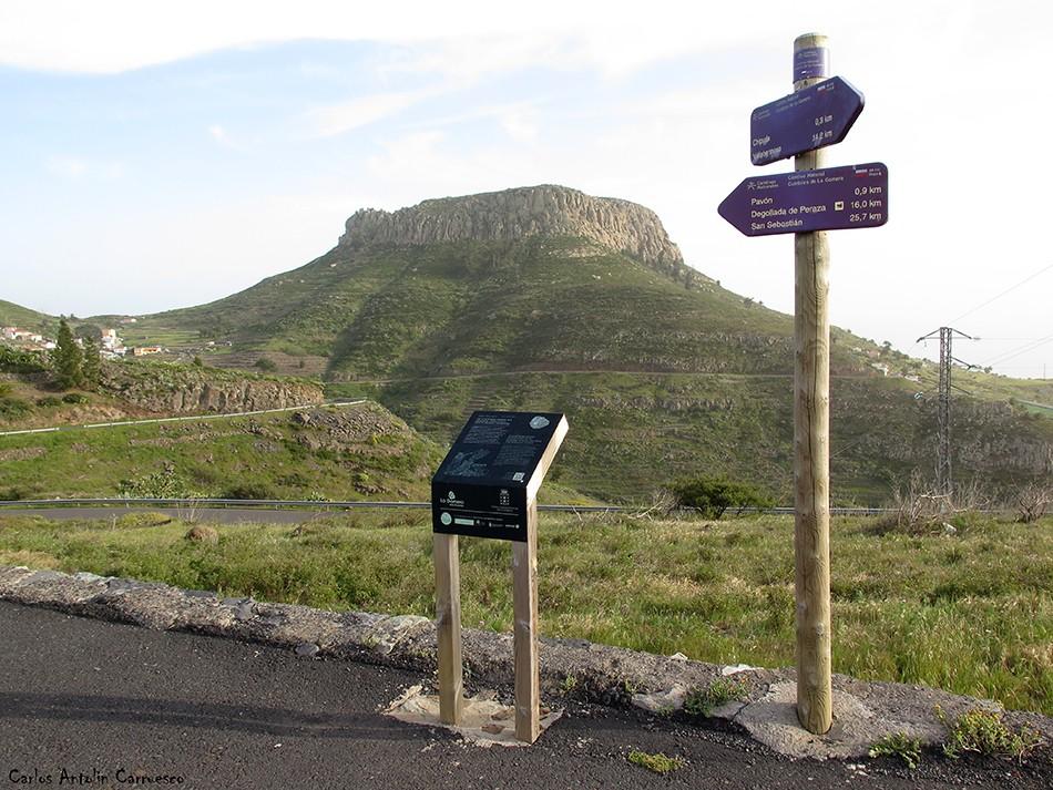 Chipude - La Gomera<br/>La Fortaleza de Chipude dominando el valle