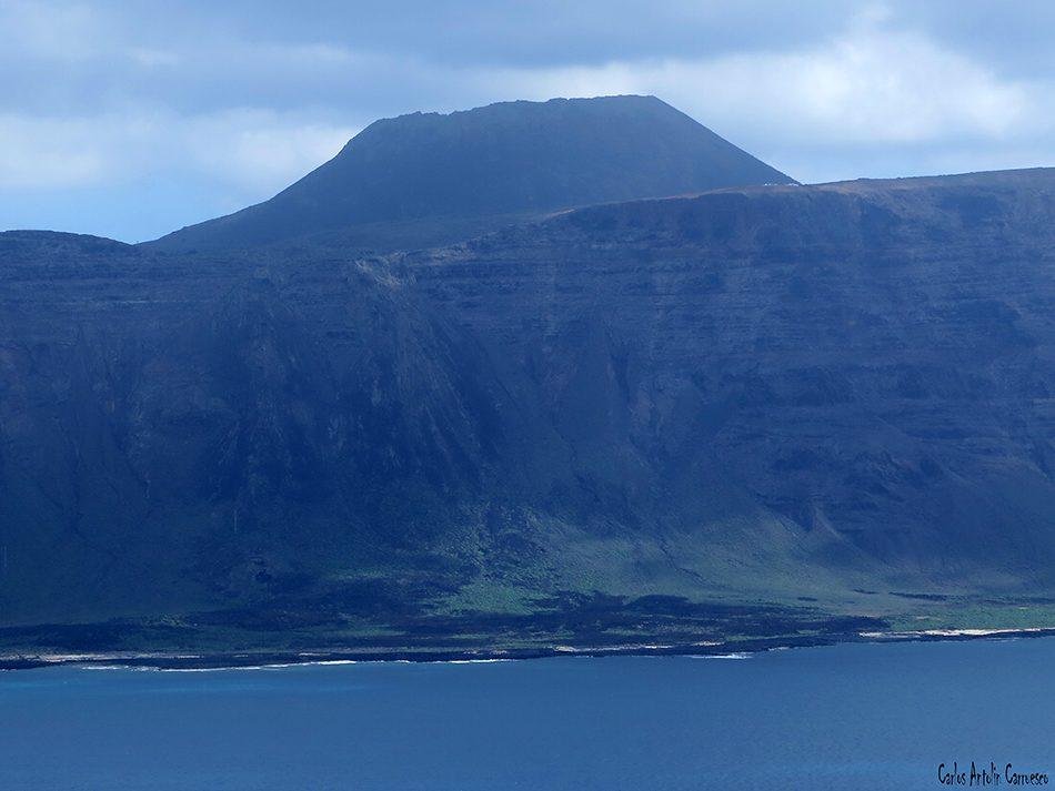 Isla de La Graciosa - Montaña Amarilla - Lanzarote - Acantilados de Famara - Volcán La Corona