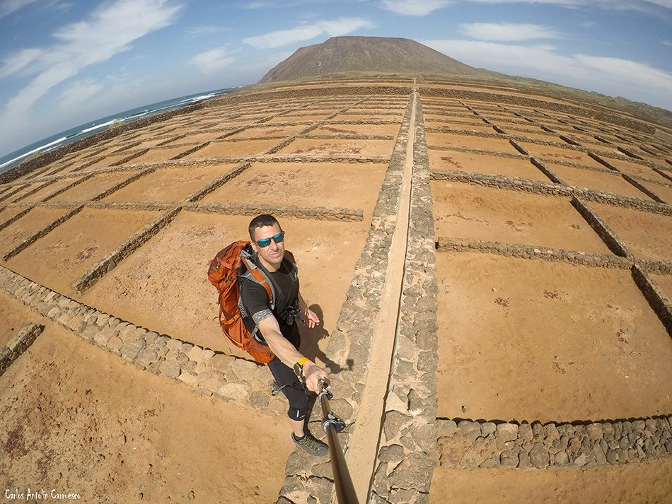 Salinas del Marrajo - Islote de Lobos - Fuerteventura - la caldera de la montaña