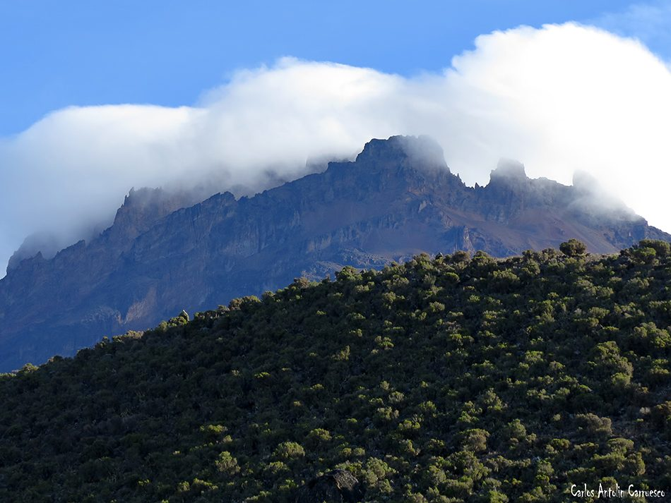 Marangu - Kilimanjaro - Tanzania - Horombo Hut - mawenzi