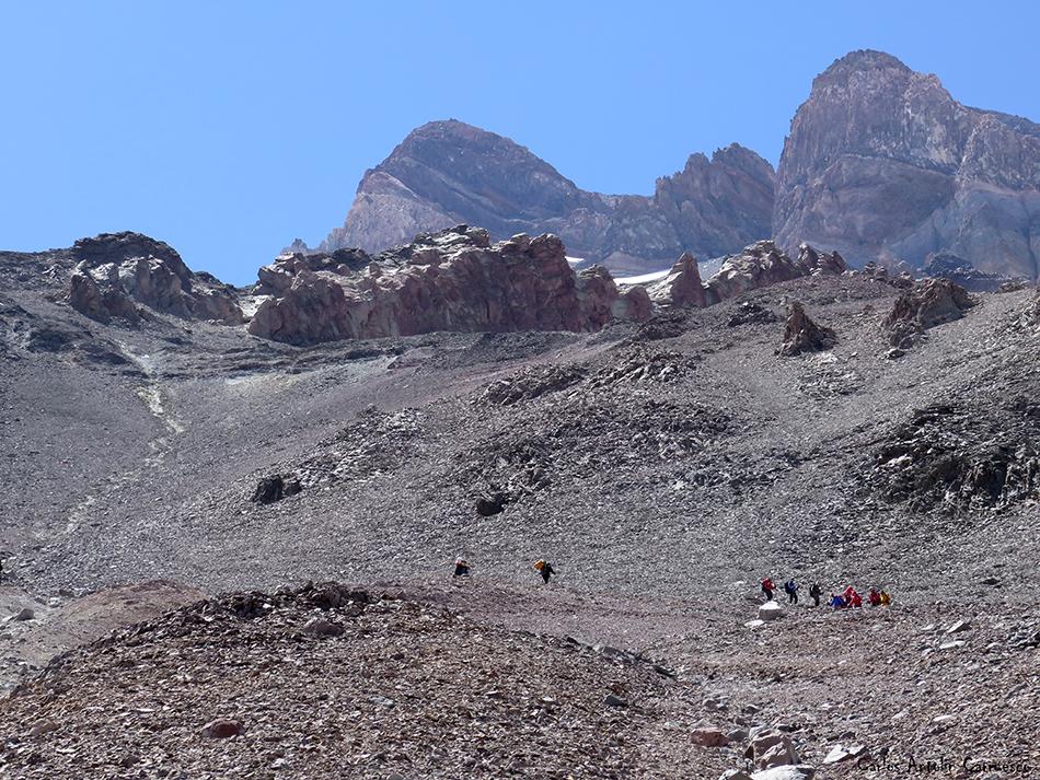 Plaza de Mulas - Nido de Condores (Campo 2) - Aconcagua